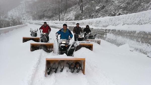 【太华索道】行动迅速除冰雪 全力以赴保运营